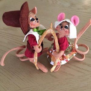 Like NEW Annalee Wishbone Mouse Couple 2016